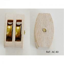 Poulie double en bois avec réas en laiton. L'axe  bois ref AC 40  ref 40