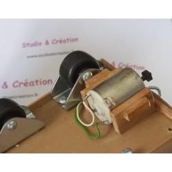 Moteur sur machine à corder fonctionnement avec pile 4,5 V